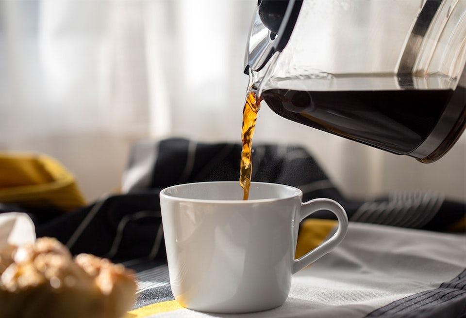 Miten runsaasti kahvi ja tee poistavat nestettä elimistöstä?