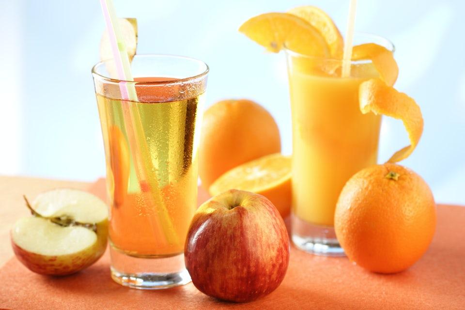Æble- og appelsinjuice