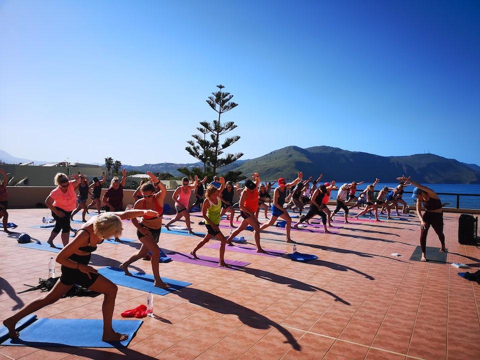 Yoga på träningsresa till Kreta med I FORM