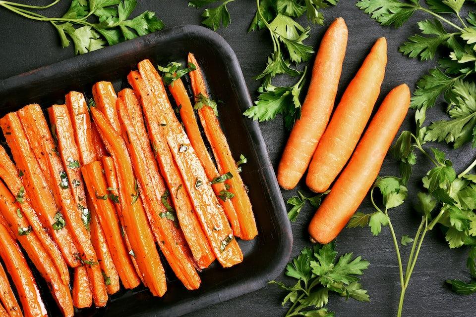 Bagte og rå gulerødder