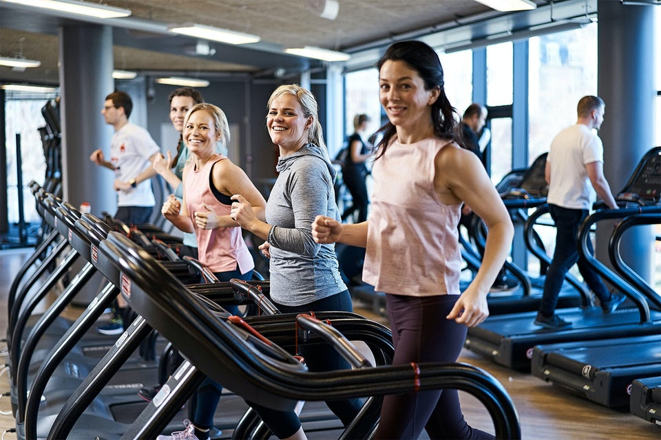 Kvinder på løbebånd