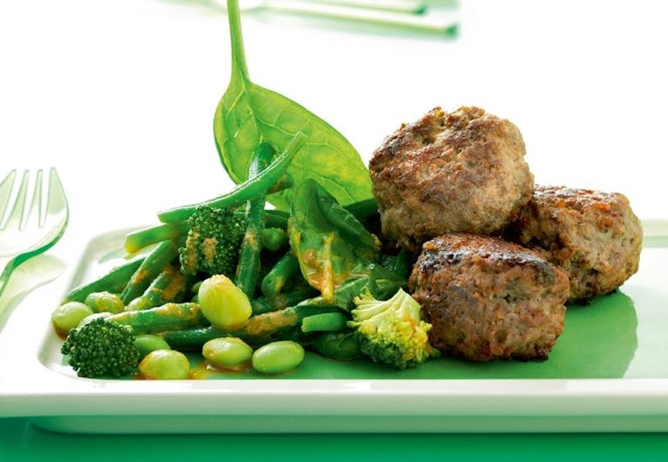 Sunne kjøttkaker og salat