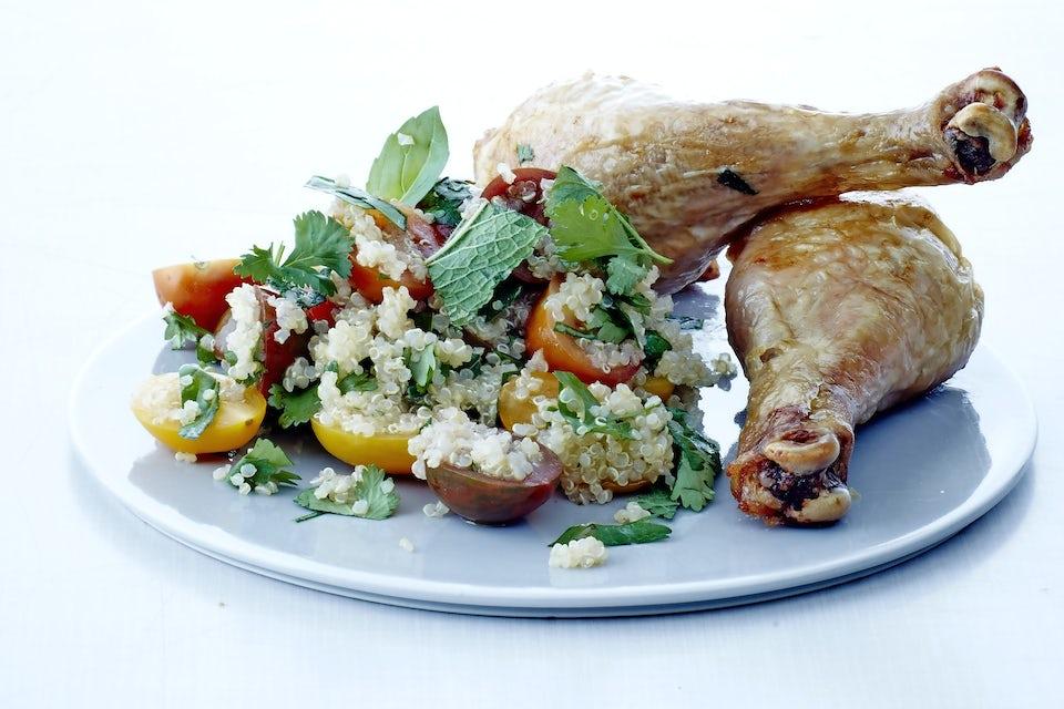 Tallerken med kyllingelår og quinoa