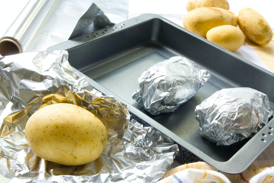Poteter i sølvpapir