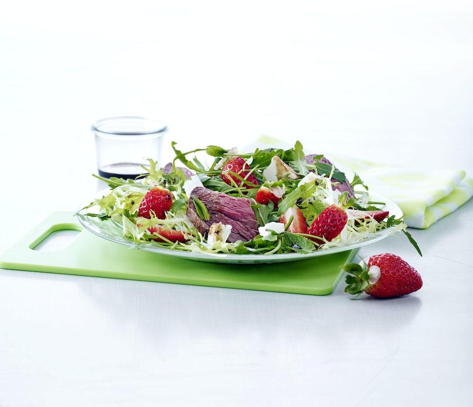 Steaksalat med jordbær