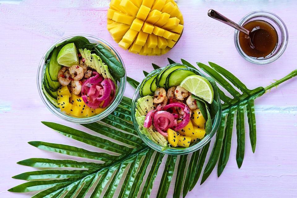 poke bowl med rejer og mango