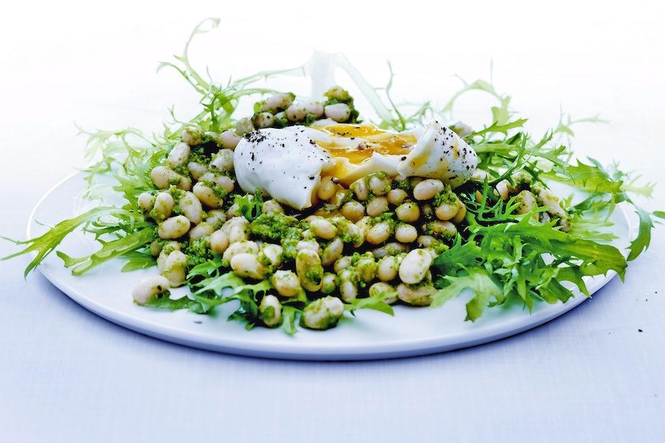 Sallad med vita bönor och ägg