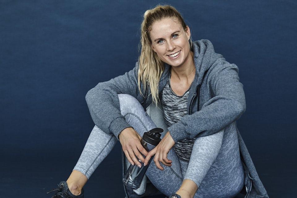 Kvinna i träningskläder