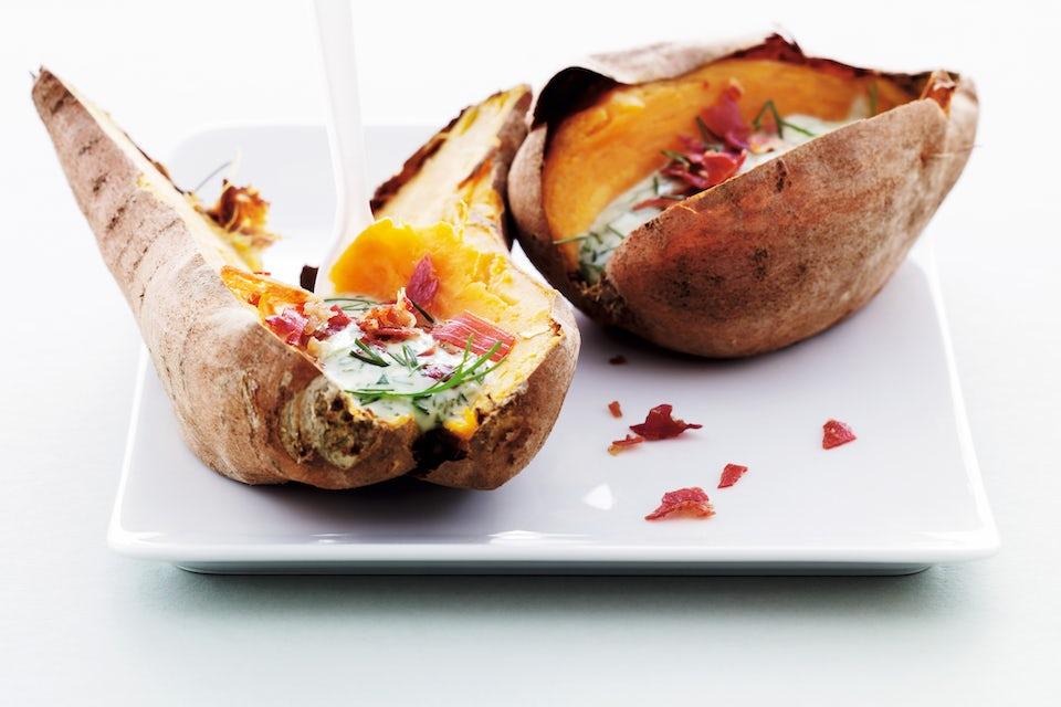 Tallerken med søde kartofler med fyld