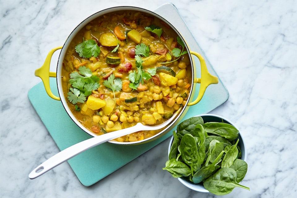 Gryta med grönsaker och curry