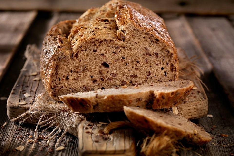 Leipää leikkuulaudalla