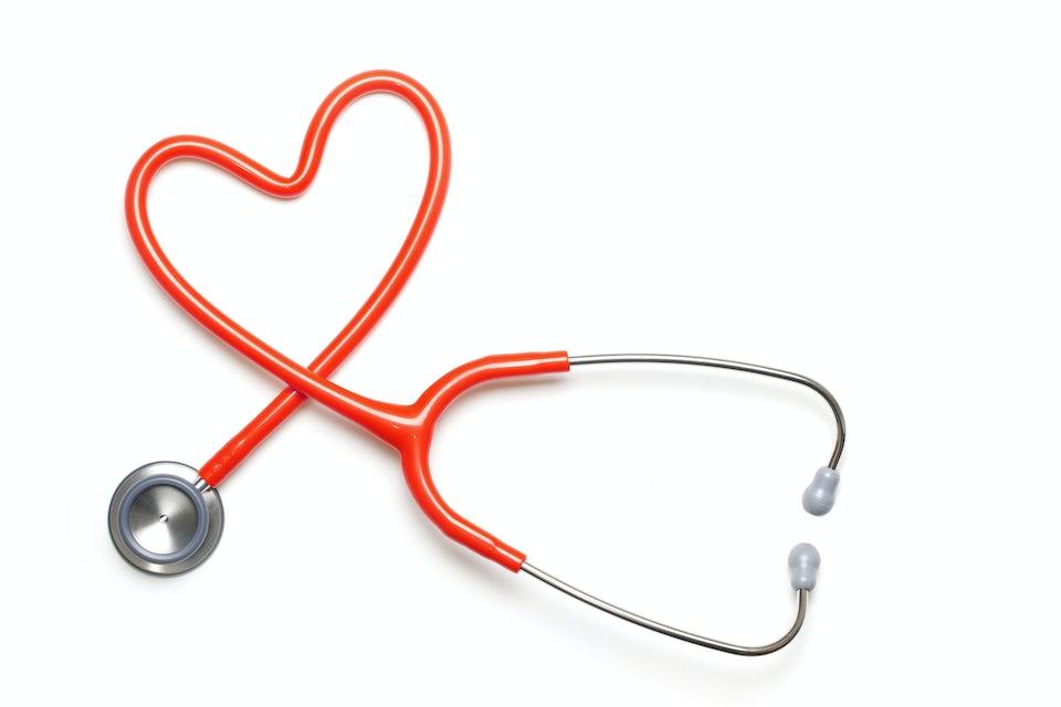 Sydämeksi muotoiltu stetoskooppi