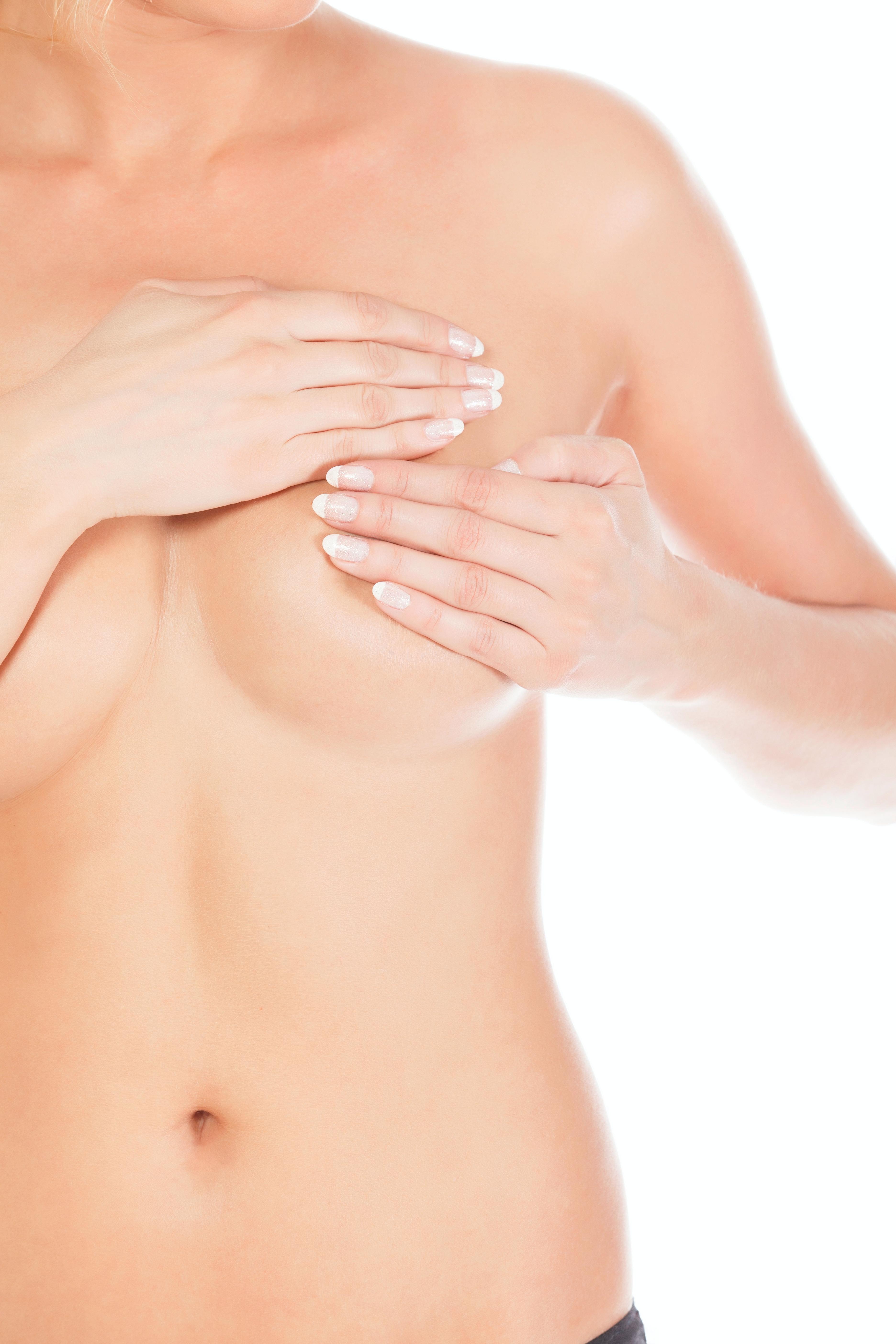 bryster som vokser i voksen alder