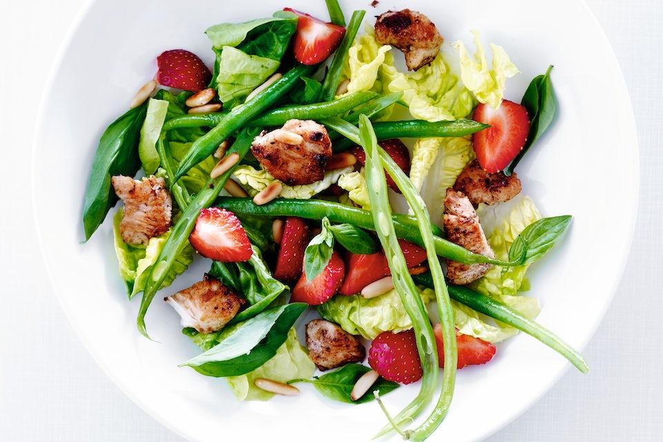 Lautasellinen salaattia