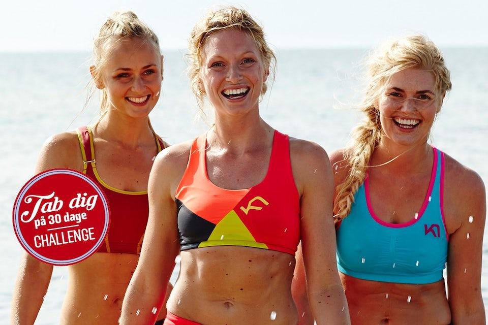 tre piger går på stranden. Slank på 30 dage