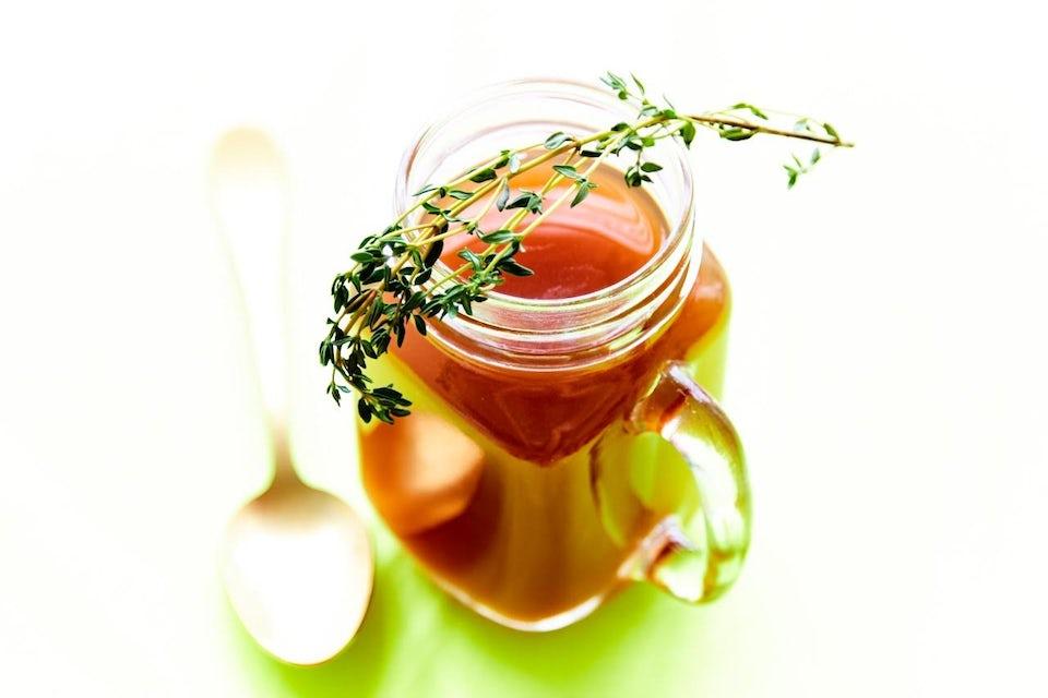 Suppekur - kyllingbuljong-suppe