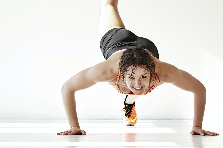 træning af overkrop kvinde