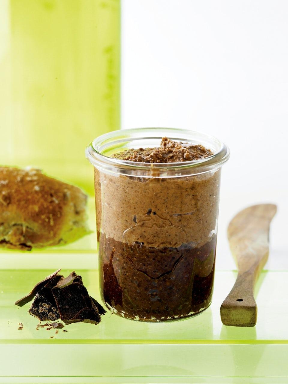 Glas med hjemmelavet Nutella