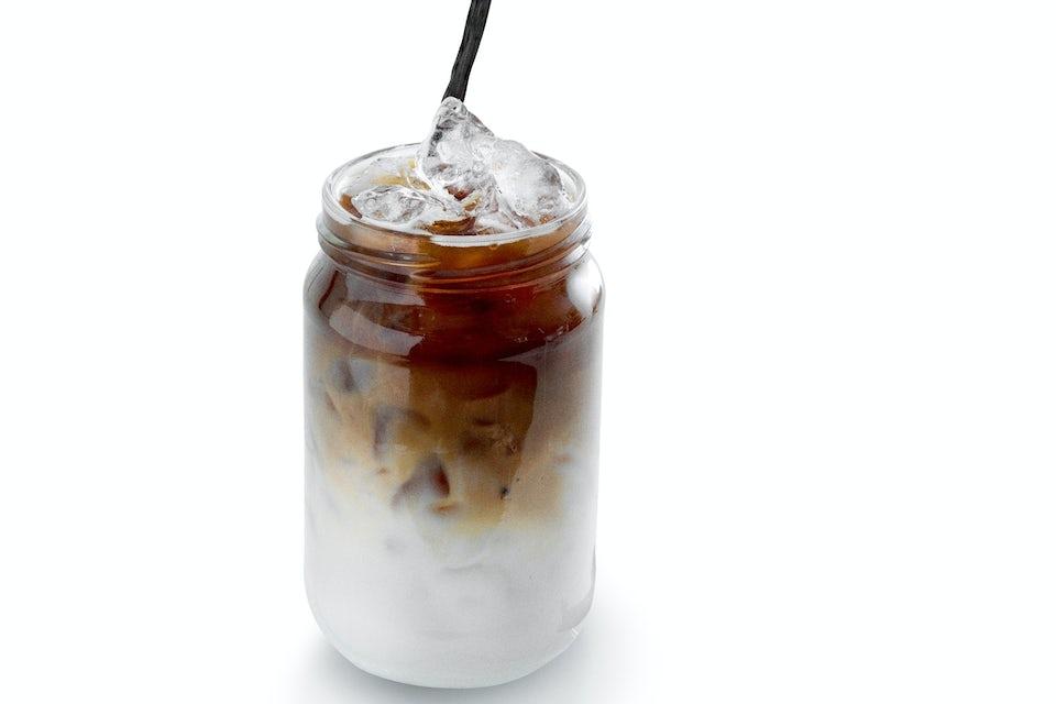 Iskaffe med kanel og vanilje