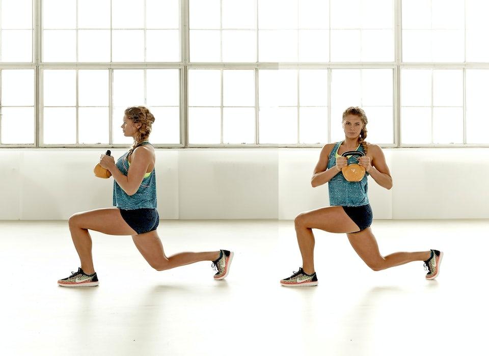 To kvinder laver lunges