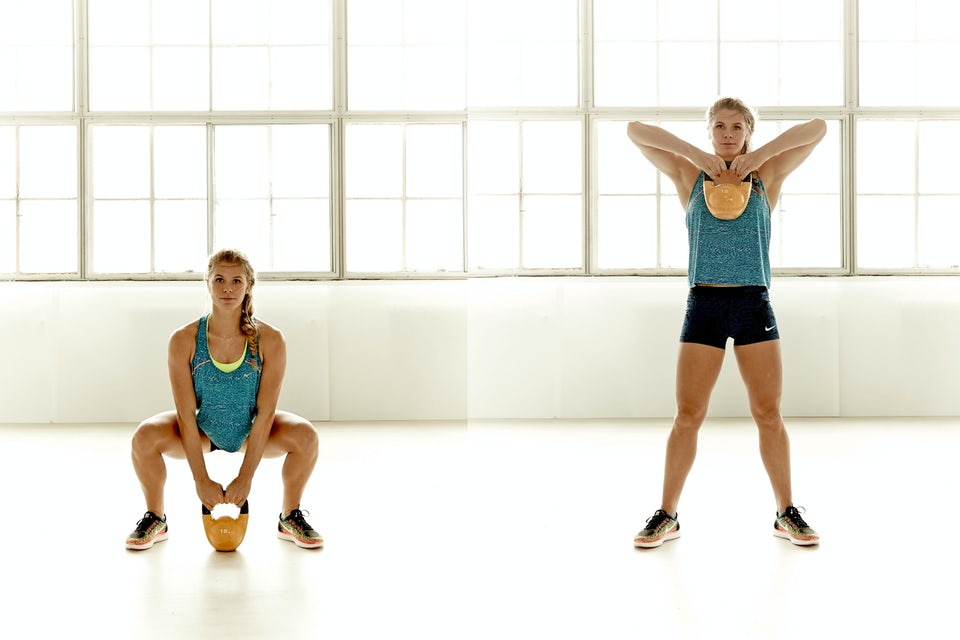 Kvinna lyfter vikt