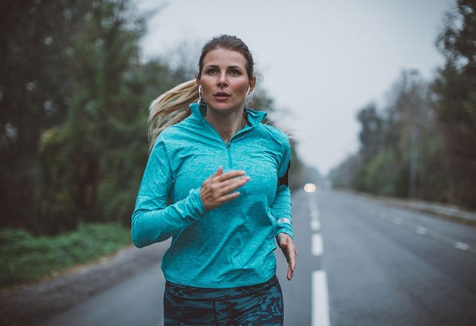 Kvinna som löptränar