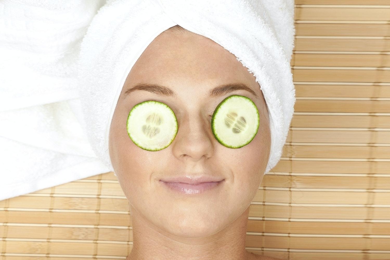 gurka på ögonen