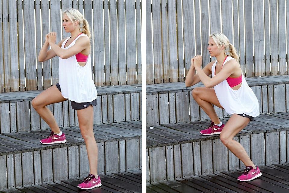 Kvinde laver squat med løftet ben