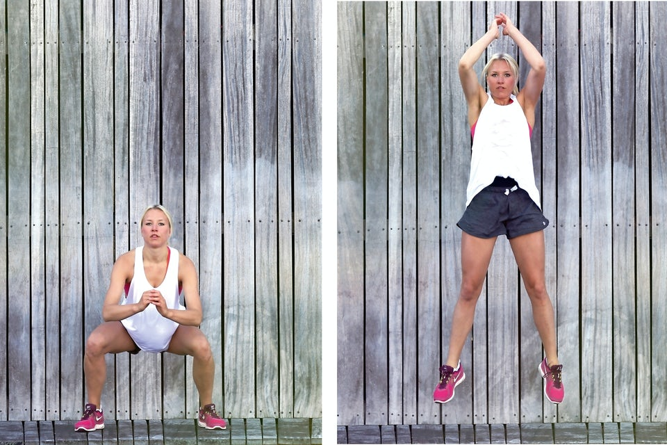 Kvinde laver jump-squat