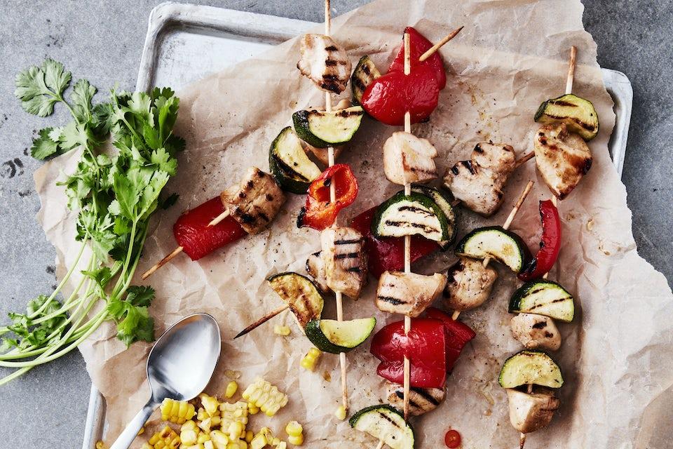Spyd med kylling og grøntsager