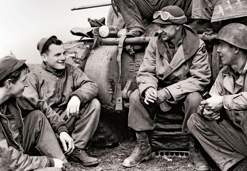 Journalist vid fronten i Italien under andra världskriget.