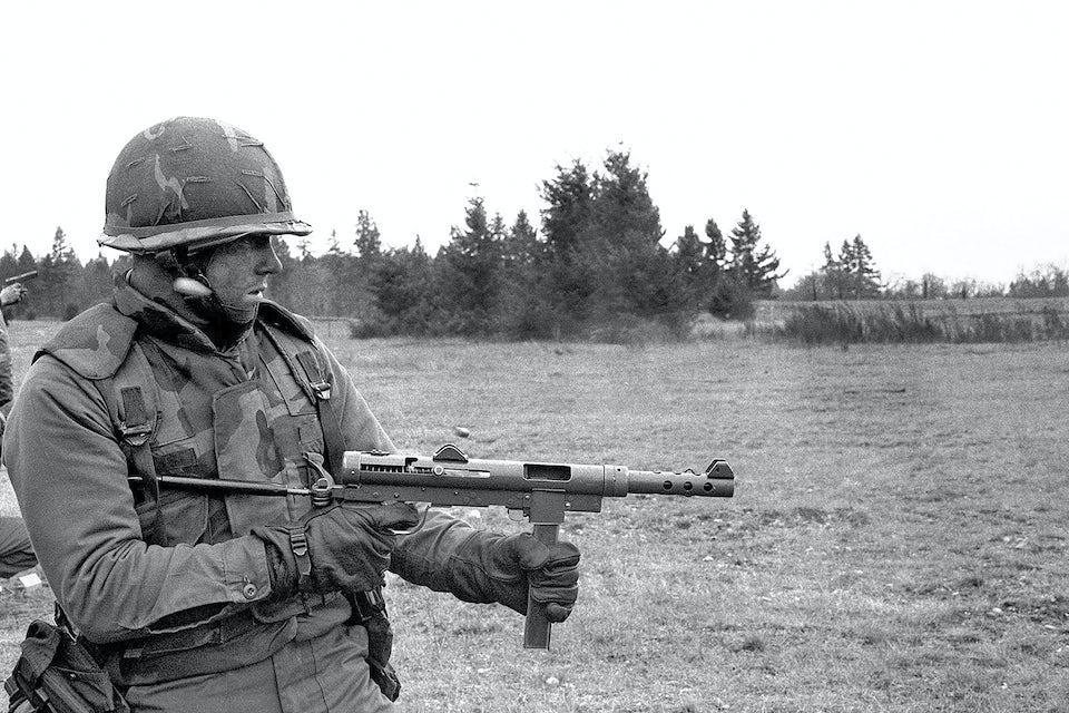 Swedish-K SMG, som kpist m/45 kallades i USA, under en övning 1982.