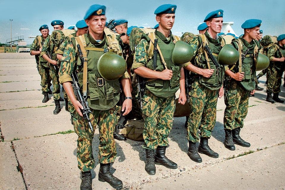 Ryska VDV-soldater på fredsbevarande uppdrag i forna Jugoslavien 2005.